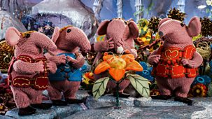 Clangers - Series 2: 10. The Strange-smelling Flower