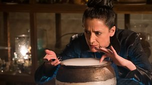The Worst Witch - Series 2: 4. The Extraordinary Esper Vespertilio
