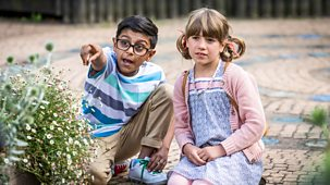 Apple Tree House - Series 2: 5. Busy Bees