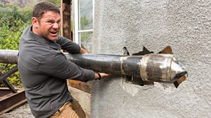 Deadly Dinosaurs With Steve Backshall - Series 1: 2. Deadly Defenders