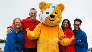 Bargain Hunt - Series 52: 1. &#039;casualty&#039; Children In Need Special: Doctors V<span Class=