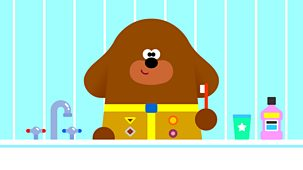 Hey Duggee - Series 3: 3. The Tooth Brushing Badge