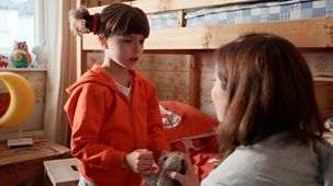 Topsy And Tim - Series 1: 1. Rainy House
