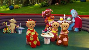 In The Night Garden - Series 1 - Who's Next On The Pinky Ponk?