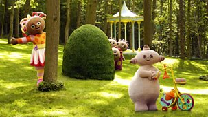 In The Night Garden - Series 1 - Playing Hiding With Makka Pakka