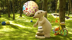 In The Night Garden - Series 1 - Look What The Ball Did!