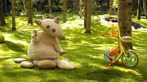 In The Night Garden - Series 1 - Makka Pakka's Stone Concert