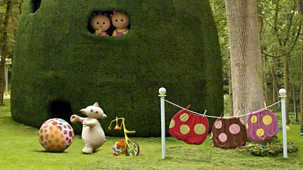 In The Night Garden - Series 1 - Tombliboo Ooo Brings The Ball Indoors