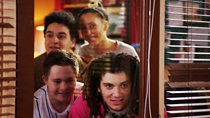 The Dumping Ground - Series 8: 2. Follow My Leader
