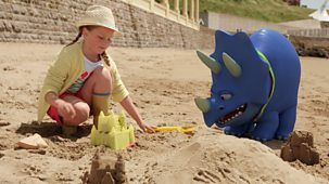 My Petsaurus - Series 3: 19. Sandcastle