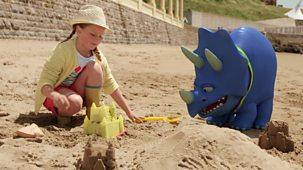 My Petsaurus - Series 3: 19. Sandcastle