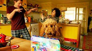 Waffle The Wonder Dog - Series 4: 9. Waffle's Dog Family