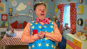 At Home With Mr Tumble - Series 1: 2. Singing