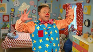 At Home With Mr Tumble - Series 1: 15. Astronaut