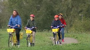 Cycle paths on reclaimed Dutch dykes