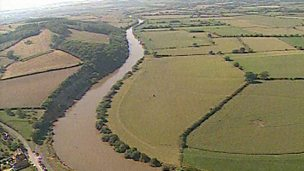 Creation of a flood plain in the Severn