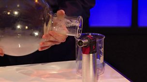 Demonstrating that gas has weight