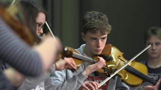 BBC - BBC Scottish Symphony Orchestra - Bartók 44 Duos Project