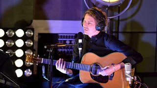 Bbc Radio 1 Fearne Cotton Ben Howard In The Radio 1 Live Lounge Ben Howard In The Live Lounge Ben Howard