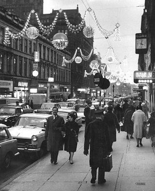 Buchanan Street at Christmas in 1967