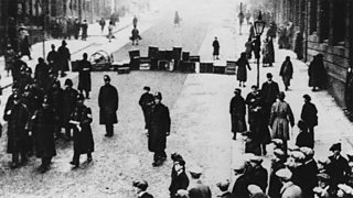 People fighting in the Battle of George Square