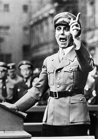 Joseph Goebbels a' dèanamh òraid ann an 1934