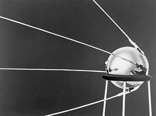 Sputnik, a' chiad shaideal Sòbhieteach a shoirbhich