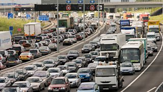 Traffic congestion at a standstill in both directions on M25 motorway