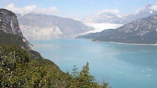A photo of Muir glacier, Alaska, in 2004
