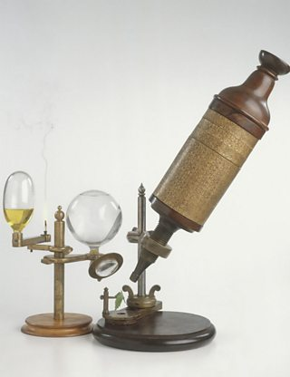 A replica of Robert Hooke's compound microscope