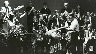 A big swing band