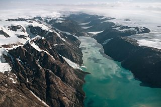 Colour photograph of the Maniitsoq ice cap in southwest Greenland, taken in the summer of 2013.
