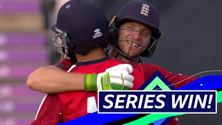 England v Australia: Jos Buttler and Moeen Ali score winning runs thumbnail