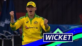 England v Australia: Marnus Labuschagne takes an 'amazing' catch to remove Jos Buttler thumbnail