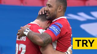 Challenge Cup final: Salford Red Devils' Rhys Williams scores brilliant try against Leeds Rhinos thumbnail