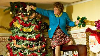 Mrs Brown's Boys - Christmas Special: Mammy's Ass