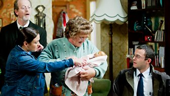 Mrs Brown's Boys - Series 2: 3. Imammy (batteries Not Included)