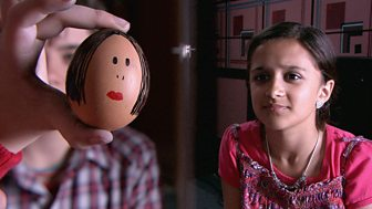 Tracy Beaker Returns - Series 3: 6. Eggs