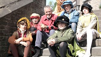 Britain's Lost Routes With Griff Rhys Jones - 1. Royal Progress