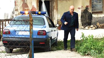 Inspector Montalbano - Series 2: 2. Equal Time