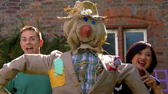 Show Me Show Me - Series 5 - Scarecrows And Statues