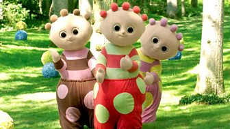 In The Night Garden - Series 1 - Upsy Daisy, Igglepiggle, The Bed & The Ball