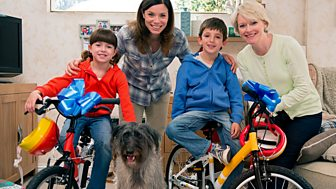 Topsy And Tim - Series 2 - New Bikes