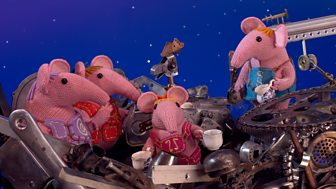 Clangers - 22. Holes