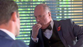 Doctors - Series 17: 131. Working The Net