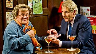Mrs Brown's Boys - Christmas Specials 2015: 2. Mammy's Widow's Memories