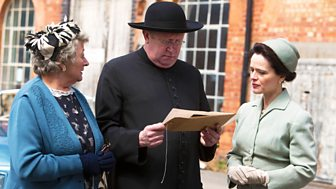 Father Brown - Series 4: 4. The Crackpot Of The Empire