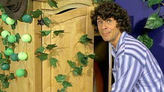 Andy's Secret Hideout - Series 1: 2. Magic Wardrobe