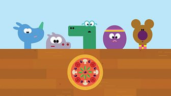 Hey Duggee - Series 2: 15. The Pizza Badge