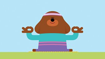 Hey Duggee - Series 2: 20. The Yoga Badge